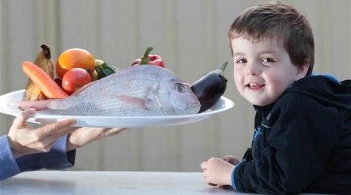 دراسة علمية حديثة تكشف أهمية تناول الأطفال للأسماك