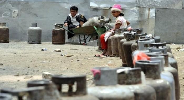 أزمة غاز تحاصر صنعاء.. موتٌ صامتٌ يدق الأبواب بمناطق الحوثي