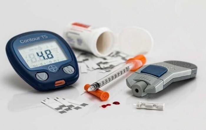 منها الجوع الشديد.. هذه أسباب نقص السكر في الدم