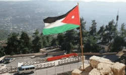 الأردن يستدعي القائم بأعمال السفارة الإسرائيلية احتجاجًا على استمرار احتجاز مواطنين