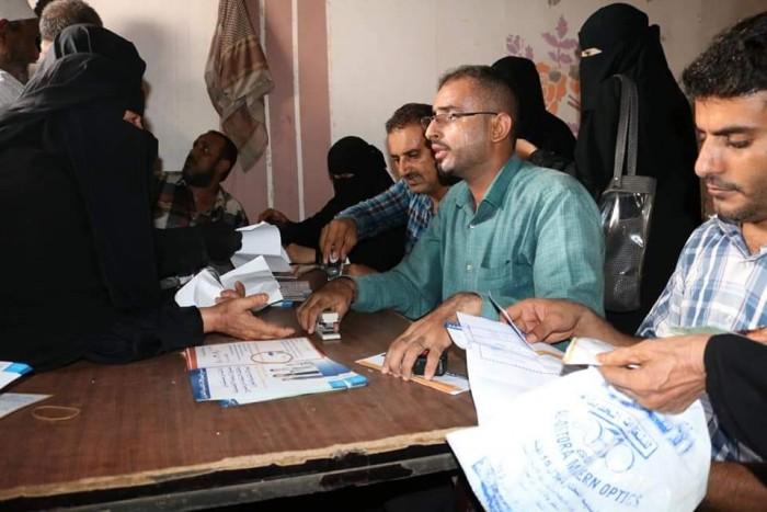 تدشين المرحلة السادسة من الحوالات النقدية الطارئة في الشيخ عثمان (صور)
