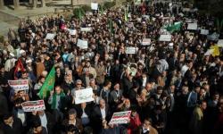 لليوم الثالث.. تجدد الاحتجاجات المناهضة لنظام الملالي بإيران