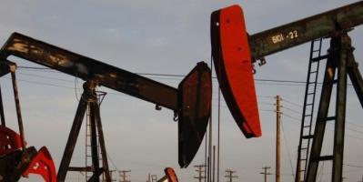 تباين في أسعار النفط وسط ترقب للمحادثات بين أمريكا والصين