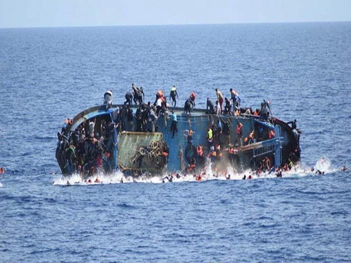 غرق مركب يقل ٥٠ مهاجرا ليبيا وتونسيا قبالة السواحل الإيطالية
