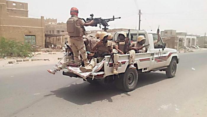 القوات الجنوبية تُغير على مجاميع حوثية شمال حجر