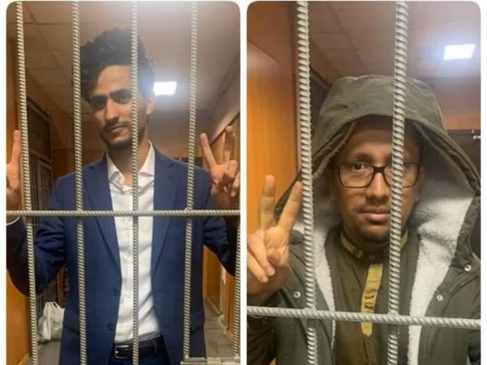 بعد بلاغ من السفير الوحيشي.. السلطات الروسية تعتقل 3 طلاب يمنيين