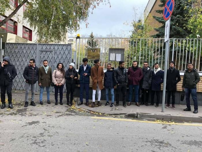 رابطة الطلبة اليمنيين بروسيا تدين تصرفات السفير الوحيشي