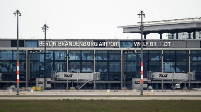 توقف حركة الطيران في مطار برلين لهذا السبب