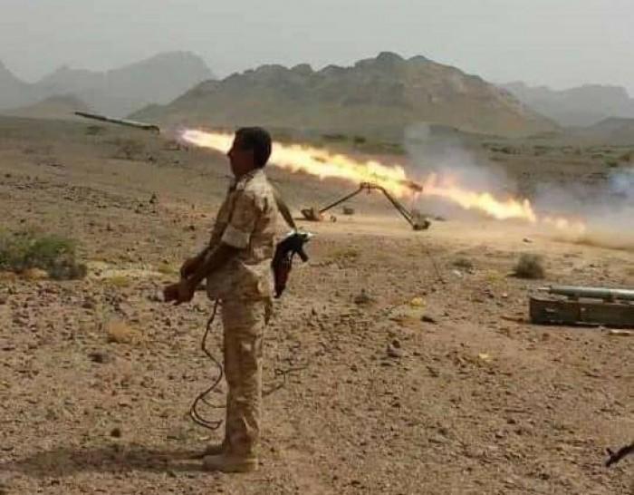 عاجل..القوات الجنوبية تقصف مواقع المليشيات خلف مدينة الفاخر