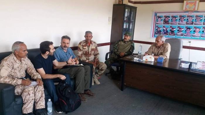 """تفاصيل زيارة """"الصليب الأحمر"""" فرع عدن إلى معسكر الأول صاعقة بالضالع"""