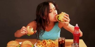 إذا كنت تشعر دائمًا بالجوع.. ابتعد عن هذه العادات
