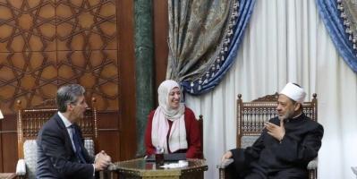 سفير بريطانيا بالقاهرة: الأزهر شريك أساسي في مبادراتنا تجاه القضايا الإنسانية