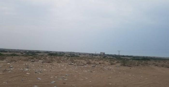 مليشيات الحوثي تستهدف مواقع القوات المشتركة في الدريهمي
