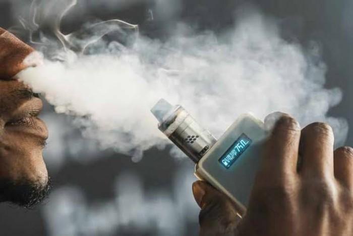 الإمارات تفرض ضرائب انتقائية على السجائر الإلكترونية والمشروبات الصناعية