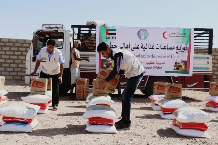 """الإمارات تنتصر للإنسانية.. """"أطنان أغذية"""" لم توقفها أكاذيب الشرعية"""