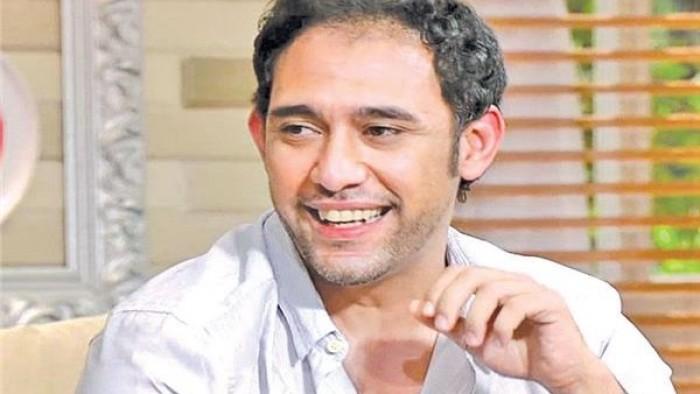 """عمرو مصطفى يطرح ألبومه الجديد """"لعبت مع الأسد"""" (فيديو)"""