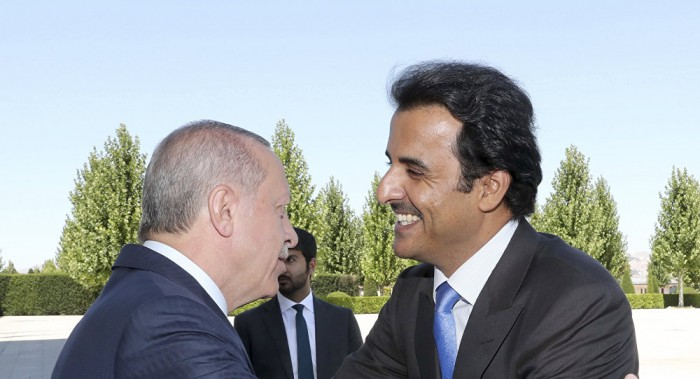 كاتب سعودي يكشف تفاصيل تهديد أردوغان الناري لـ تميم