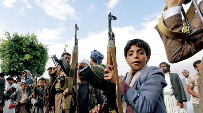 """""""رحلات الدم"""".. كيف يصطحب الحوثيون أطفال المدارس إلى الجبهات؟"""