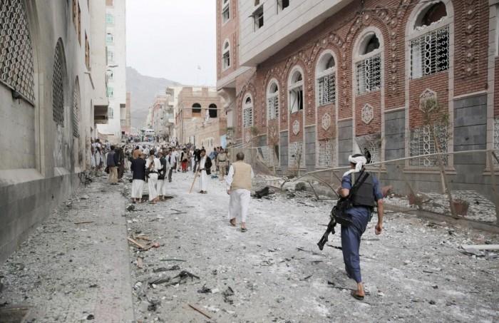 ثكنات عسكرية في المساجد.. انتهاك حوثي لحرمات بيوت الله