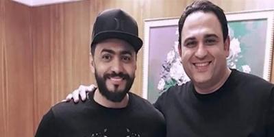 """أكرم حسني يهنئ تامر حسني على فيلم """"الفلوس"""""""