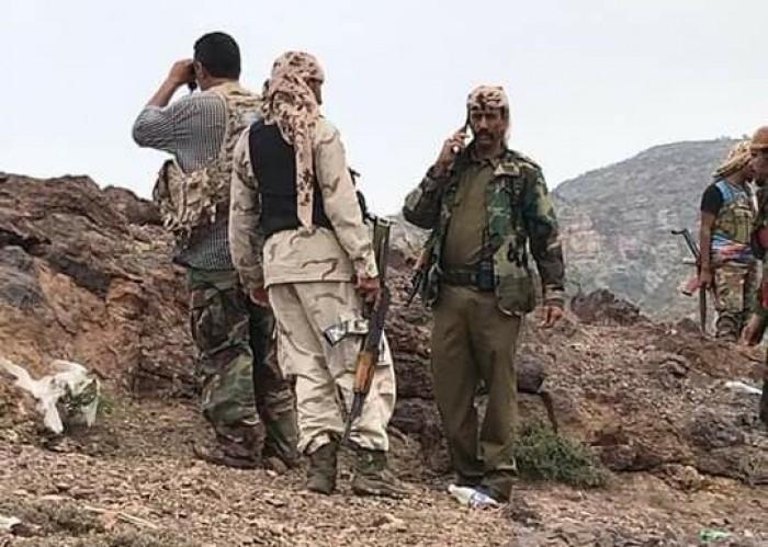قائد اللواء الأول صاعقة يتفقد المواقع القتالية في جبهات شمال الضالع