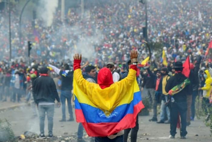 إعلان حظر التجول بالإكوادور نتيجة تظاهرات عنيفة