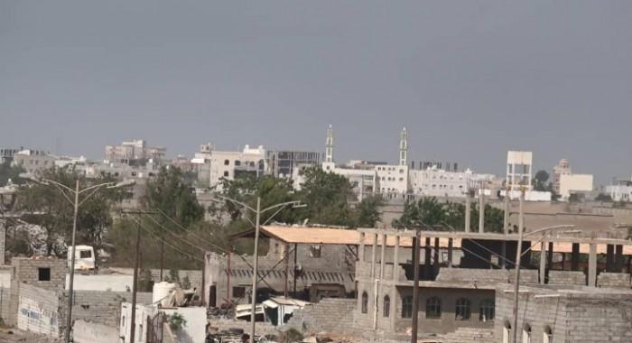 قصف حوثي على مواقع القوات المشتركة في الدريهمي
