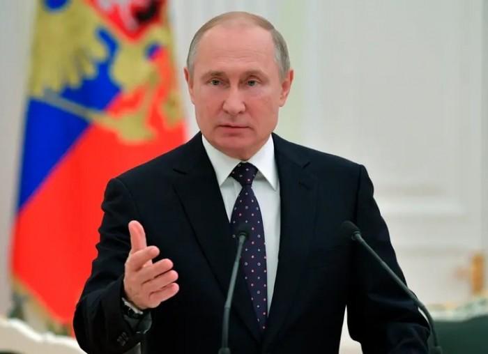 بوتين: سوق النفط العالمي يحتاج خفض المخزونات إلى مستوى معقول