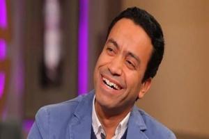 """سامح حسين يعلن عن تنظيم عروض من مسرحية """"المتفائل"""" للطلبة"""