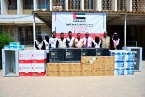 الإمارات تقدم مساعدات إلكترونية حديثة لجامعة عدن (صور)