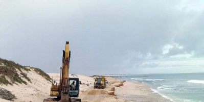 """""""خليفة الإنسانية"""" تدشن مشروع إعادة فتح الطرقات جنوبي سقطرى"""