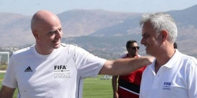 مورينيو وكاكا يروجان لمشروع «مدارس الكرة» في لبنان