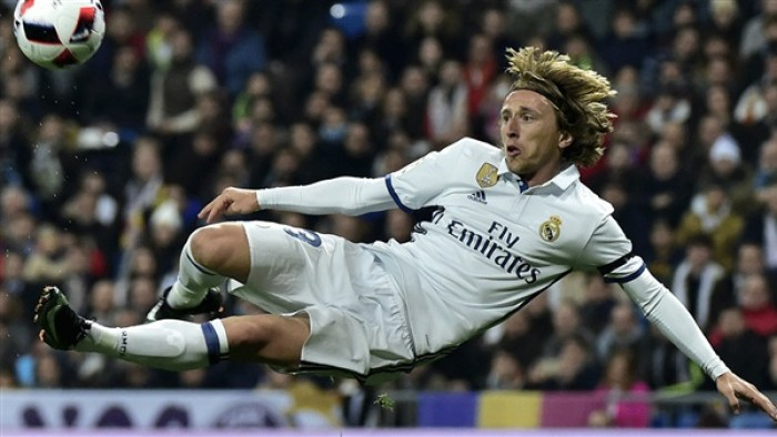 لوكا مودريتش يغيب عن ريال مدريد في الكلاسيكو