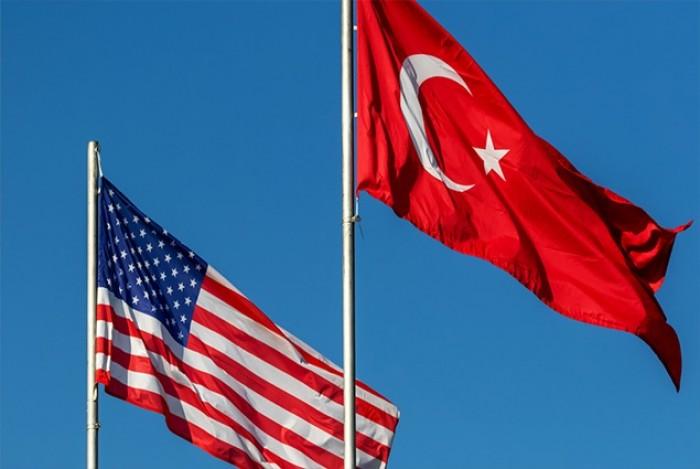 كاتب سعودي يكشف تفاصيل العقوبات الأمريكية على تركيا