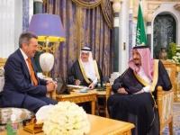 الملك سلمان يلتقي رئيس اللجنة الدولية للصليب الأحمر