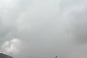 هطول أمطار غزيرة على محافظة المهرة (صور)