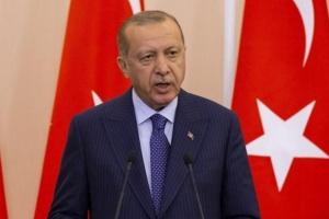 إعلامية سعودية: العقوبات على تركيا تنذر بنهاية عهد أردوغان