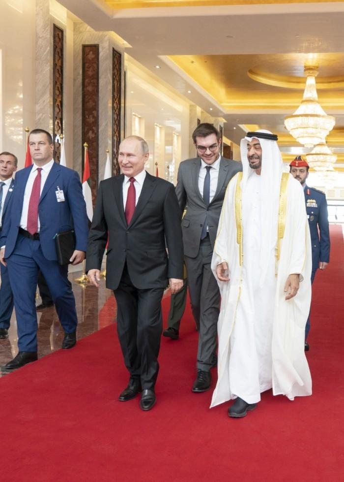 بن زايد يستقبل بوتين في زيارة رسمية بأبوظبي (صور)