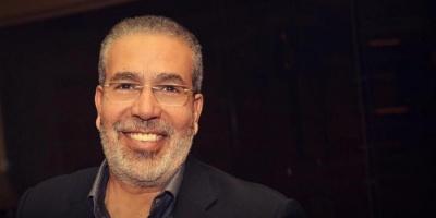 """""""لبنان في القلب"""".. مدحت العدل يدعم الشعب اللبناني"""