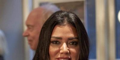 رانيا يوسف تستطلع رأي جمهورها في إطلالتها الجديدة (فيديو)