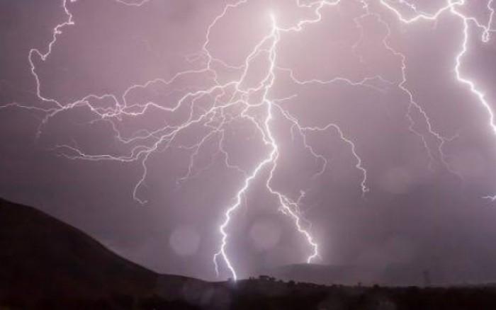 أمطار وعواصف رعدية على شبوة وأبين ولحج
