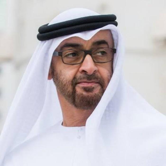 بن زايد يهنئ أهل الكويت بالعودة المباركة أميرهم