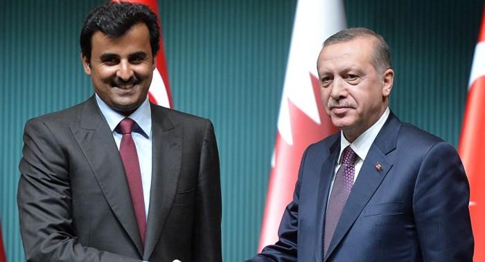 سياسي سعودي: قطر محتلة من الأتراك فكيف تستنكر العدوان على سوريا؟