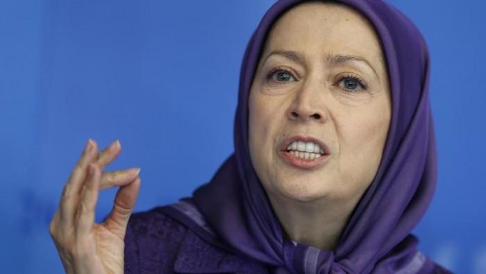 بعد موقفهم مع روحاني.. رجوي تُشيد بطلاب جامعة طهران