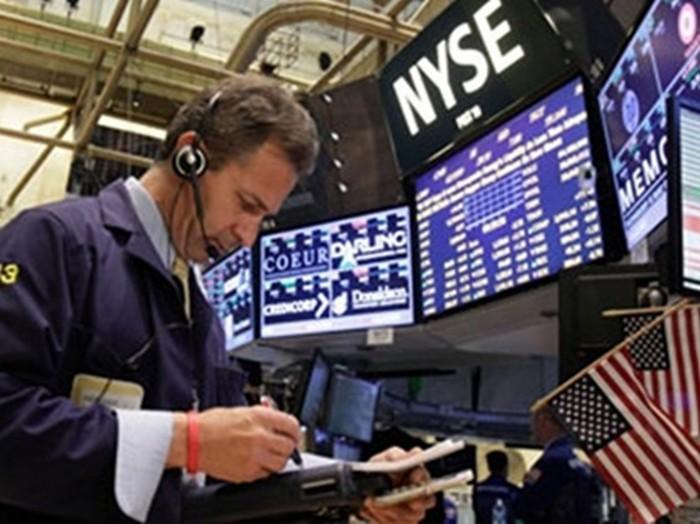 بسبب عزوف المستثمرين.. الأسهم الأمريكية تغلق على تراجع