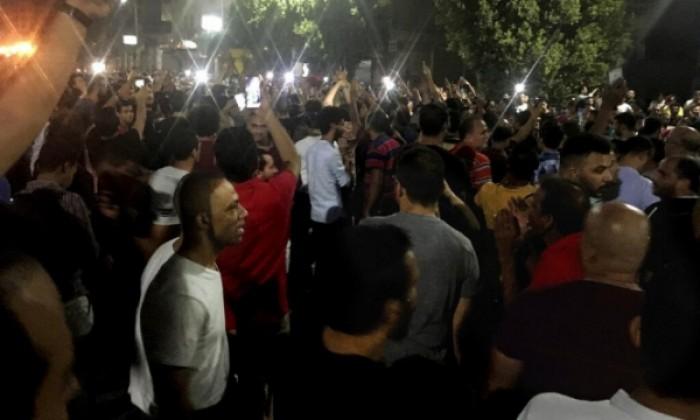 عقب فض اعتصامهم.. عشرات المتظاهرين اللبنانيين يصابون بحالات إغماء