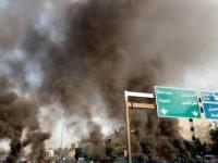 عشرات المحتجين يواصلون المظاهرات في لبنان ودعوات للإضراب العام