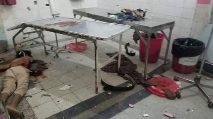 عاجل.. مليشيا الإخوان تقتحم  قسم الطوارئ في مستشفى الثورة بتعز (صور)