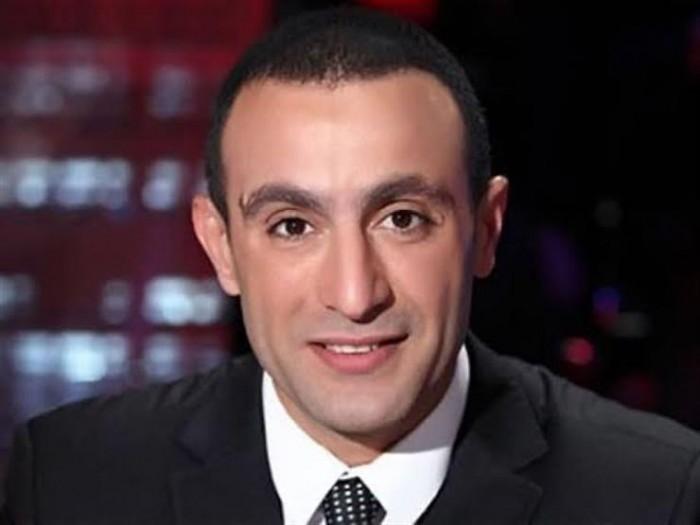 أحمد السقا برفقة النجم سمير غانم وعائلته (صورة)