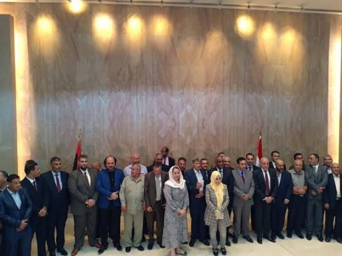 برلمانيو ليبيا يتفقون في القاهرة على الإعداد لتشكيل حكومة جديدة